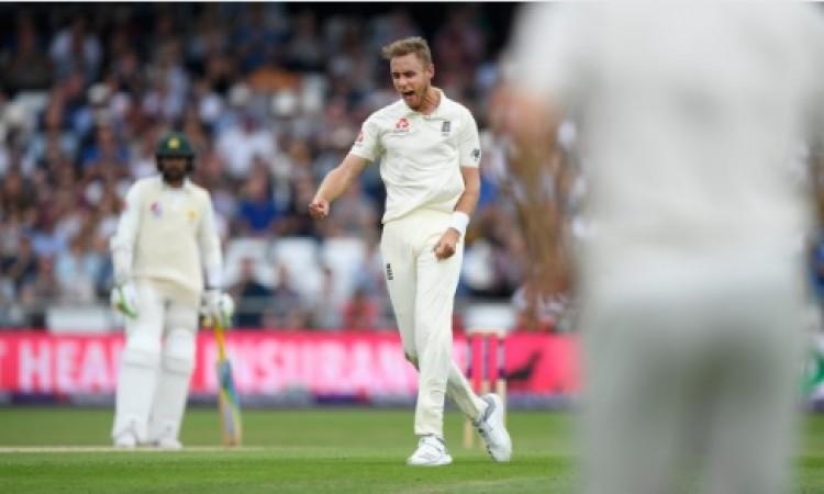 इंग्लैंड गेंदबाजों ने दिखाया कमाल, पाकिस्तान को दूसरे टेस्ट मैच में एक पारी और 55 रनों से हराकर सीरी