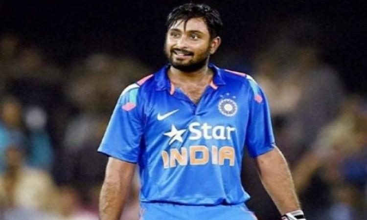 ऐसे 5 खिलाड़ी जो इंग्लैंड के खिलाफ वनडे सीरीज में अंबाती रायडू की जगह टीम में हो सकते हैं शामिल Imag