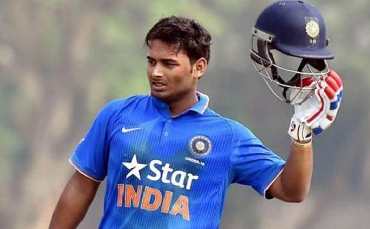 india a all out for 232 in tri series opener