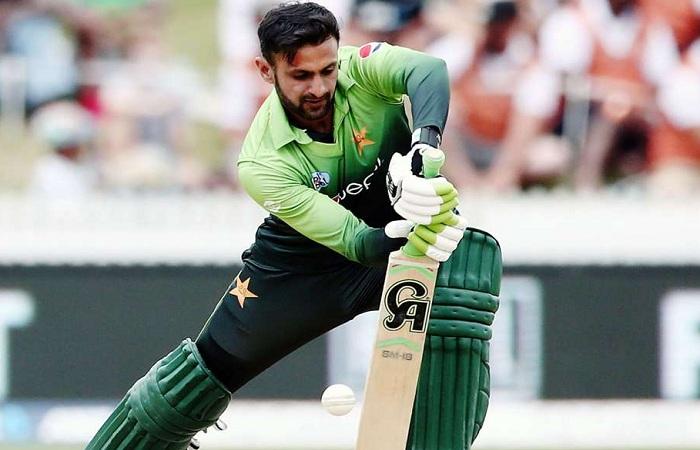 Pakistan's star batsman plans to quit ODIs post 2019 World Cup