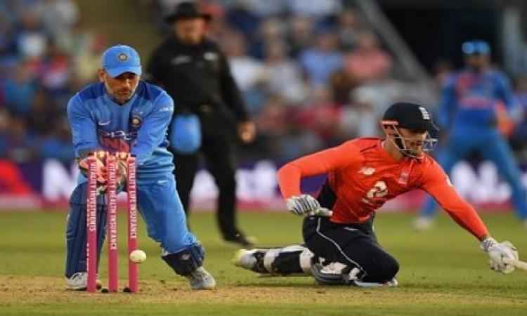 झटका: भारत - इंग्लैंड वनडे सीरीज से अहम दिग्गज हुआ बाहर Images