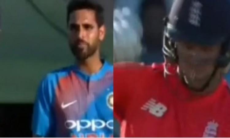 VIDEO देखिए कैसे भुवनेश्वर कुमार ने इंग्लैंड के डेविड विली को लगाई लताड़, देखकर चौंक जाएंगे Images