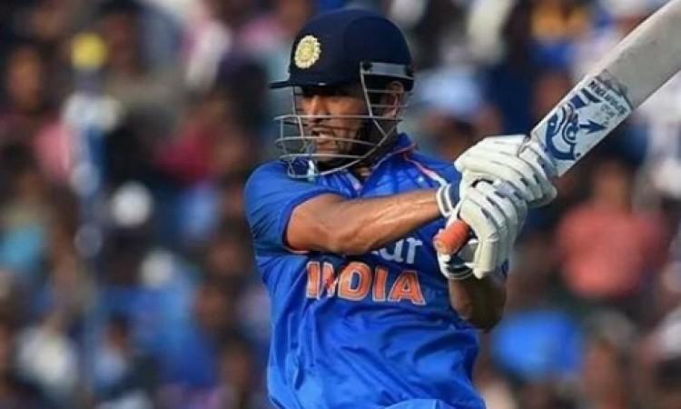 दूसरे टी-20 में धोनी ने रच दिया इतिहास, ऐसा करने वाले भारत के केवल तीसरे क्रिकेटर बने Images