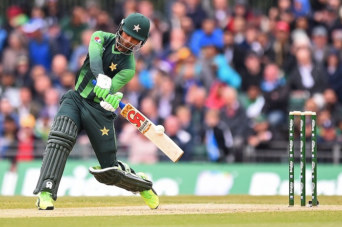 Fakhar Zaman 73 guides Pakistan to 194