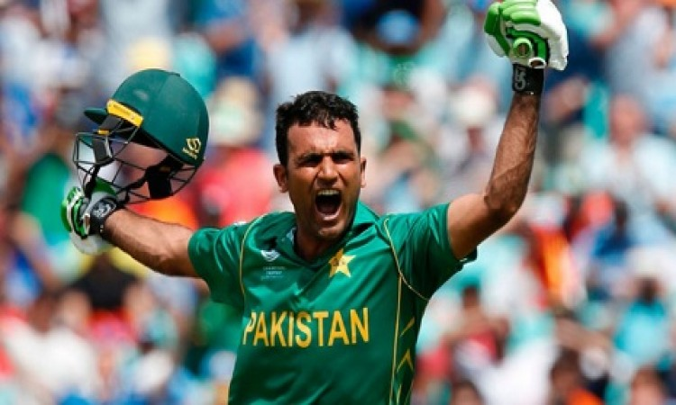 एशिया कप में फखर जमान से बचने के लिए इस दिग्गज ने भारतीय गेंदबाजों को दी ऐसी खास सलाह Images
