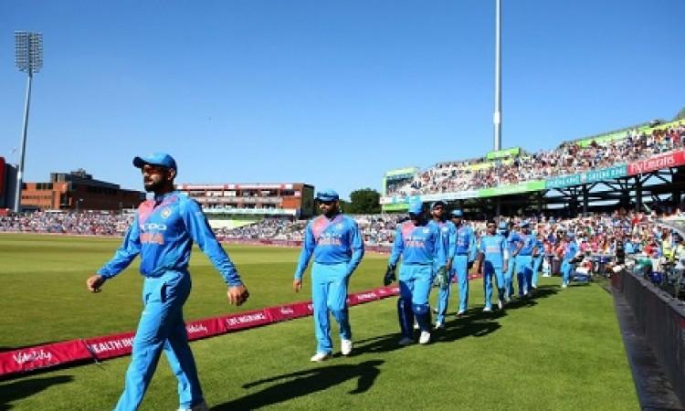 इंग्लैंड के खिलाफ तीसरे टी-20 में भारत की प्लेइंग इलेवन में चौंकाने वाले बदलाव, 2 दिग्गज बाहर Images