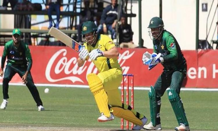 त्रिकोणीय T20I सीरीज (फाइनल): पाकिस्तान के खिलाफ टॉस जीतकर ऑस्ट्रेलिया की पहले बल्लेबाजी Images