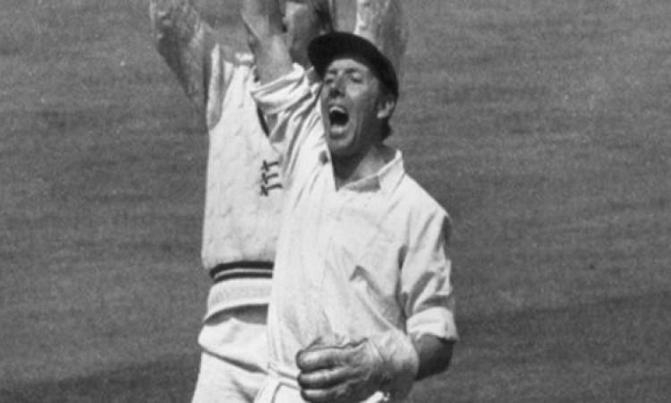 भारत के खिलाफ टेस्ट सीरीज से पहले इंग्लैंड के लिए बुरी खबर, अचानक से दिग्गज का हुआ देहांत Images