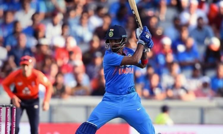 केएल राहुल की बल्लेबाज देख विराट कोहली हुए हैरान, ट्विटर पर कर दिया ऐसा खास ऐलान Images