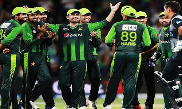 पाकिस्तान क्रिकेट बोर्ड को इस टीम ने दिया झटका, पाकिस्तान जाकर खेलने से किया इंकार Images