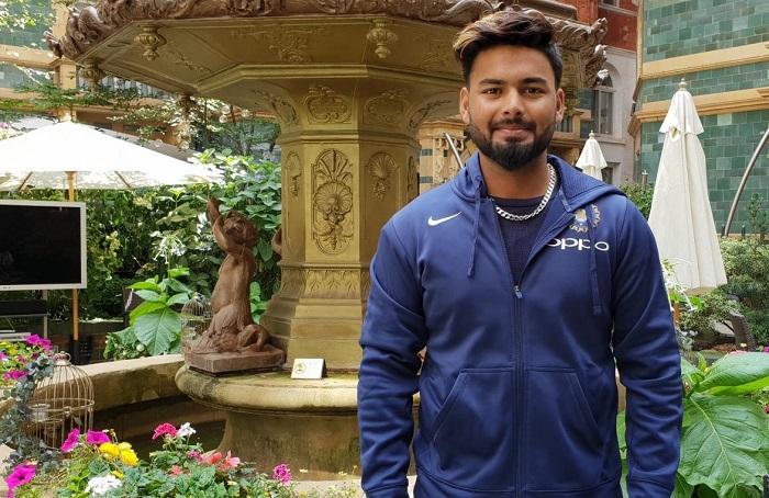 Adam Gilchrist is the favorite wicketkeeper batsman of Rishabh Pant