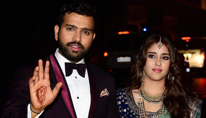 Rohit Sharma With His Wife Ritika Sajdeh Images in Hindi