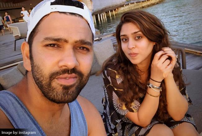 Rohit Sharma With His Wife Ritika Images in Hindi