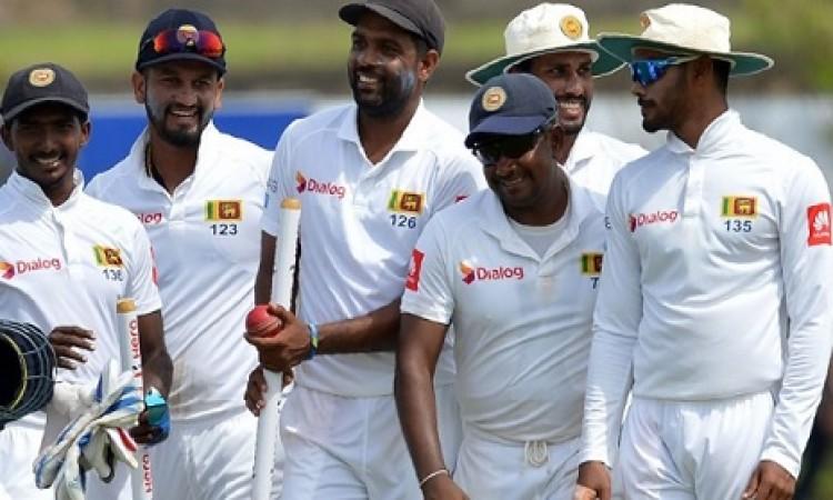 श्रीलंकाई टीम ने रचा इतिहास, साउथ अफ्रीकी टीम के खिलाफ बना हैरत भरा रिकॉर्ड Images