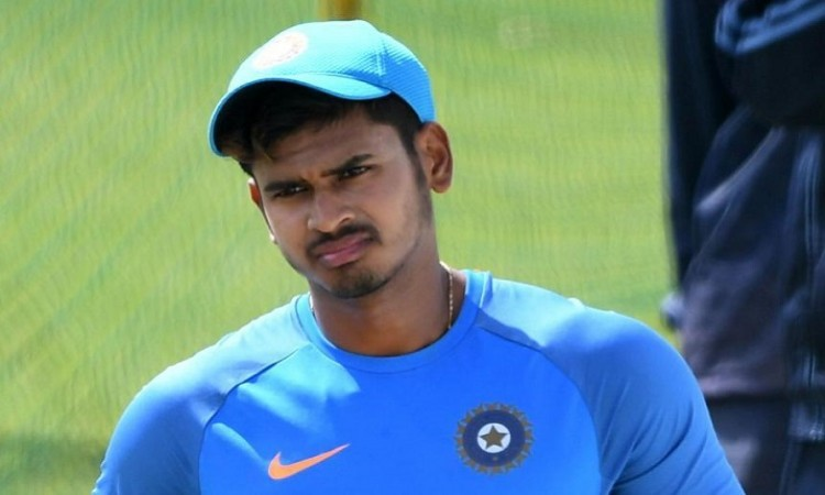 Dhoni advised me to avoid reading newspapers, reveals Shreyas Iyer