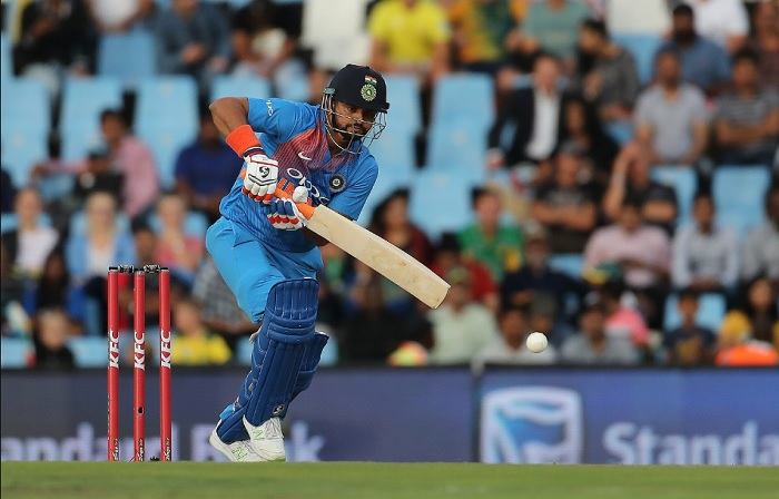 suresh raina need 1 six to complete 300 sixes in t20 cricket