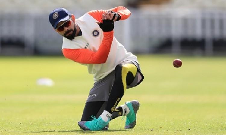 पहले टेस्ट से पहले भारतीय टीम ने किया जमकर अभ्यास, कोहली ने इस नए अंदाज में किया प्रैक्टिस Images