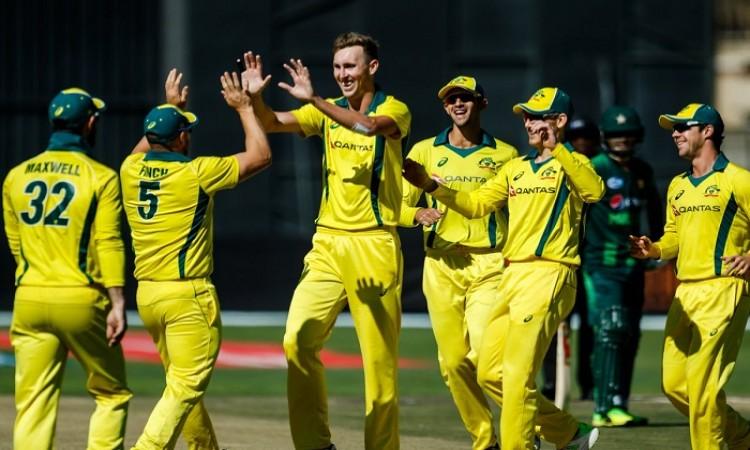 Australia smash Pakistan with nine-wicket victory in tri-series T20