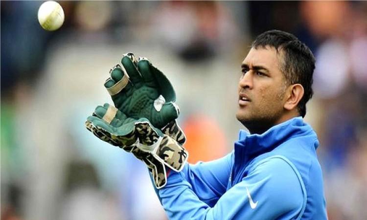 वनडे इंटरनेशनल में सबसे ज्यादा कैच लपकने वाले टॉप 5 विकेटकीपर, धोनी ने ने भी रचा इतिहास Images