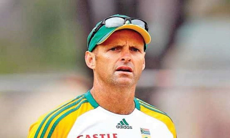 Gary kirsten steps down as Hobart hurricanes coach due to personal reasons