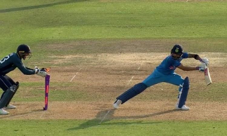 इंग्लैंड के खिलाफ पहले वनडे में कोहली के साथ पहली बार हुआ ऐसा,जानकर हर कोई रह गया हैरान Images