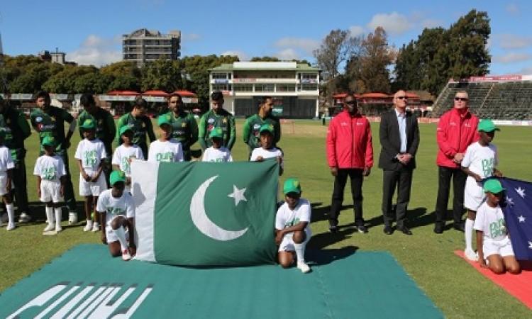 जिम्बाब्वे में पाकिस्तान की टीम आर्थिक तंगी के कारण फंस गई Images