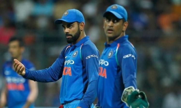 पहले वनडे में कप्तान के तौर पर विराट कोहली ने रच दिया इतिहास, कर ली इस महान दिग्गज की बराबरी Images