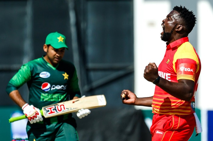 zimbabwe opt to bowl first against pakistan in first odi