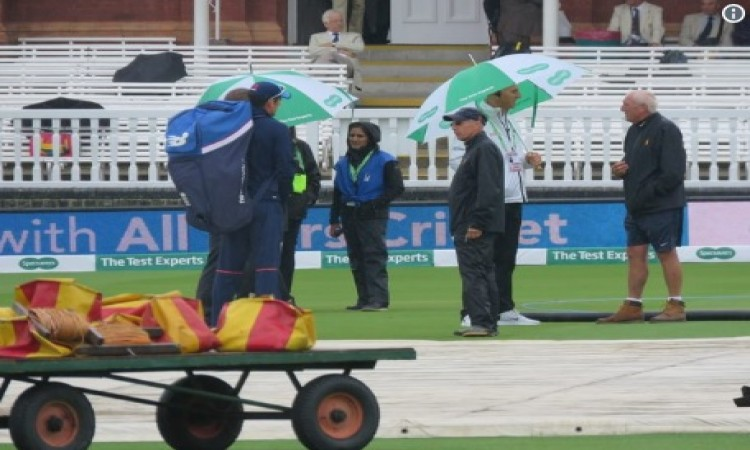 बारिश के कारण पहले दिन का खेल रद्द हुआ, एक भी गेंद नहीं फेंकी गई Images