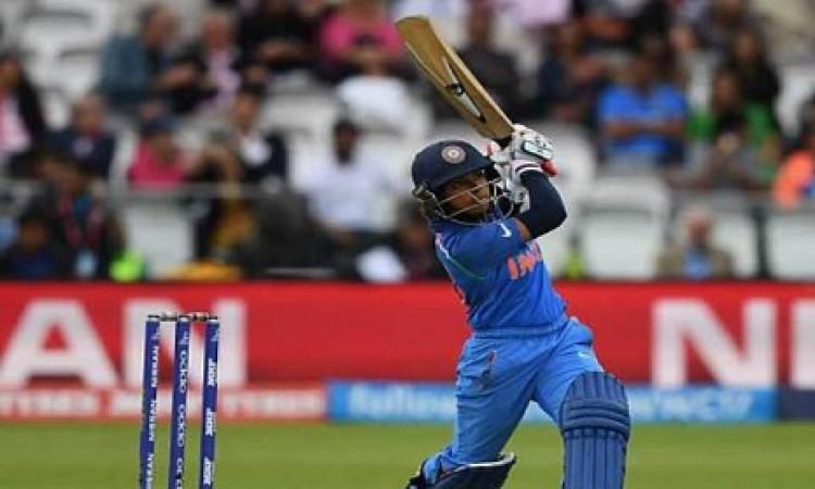 महिला टी-20 चैलेंजर ट्रॉफी में रीमालक्ष्मी इक्का और शिखा पांडे की गेंदबाजी का कमाल Images