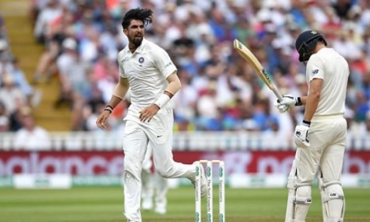इंग्लैंड के 9 विकेट गिरे, इशांत शर्मा ने 5 विकेट चटकाए