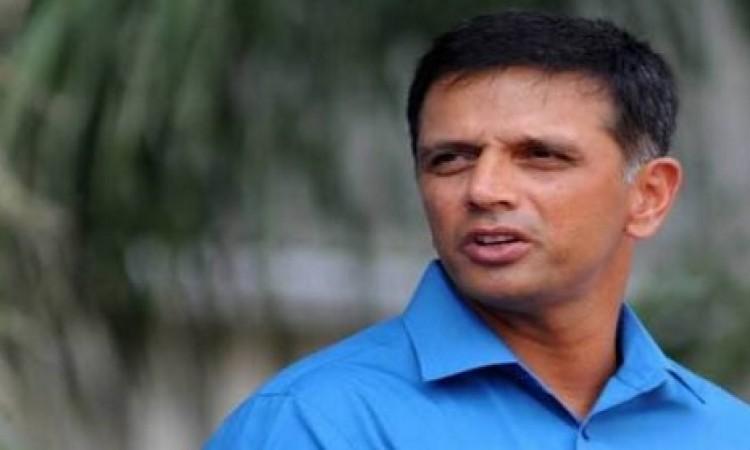 महान राहुल द्रविड़ कुलदीप यादव नहीं बल्कि इस स्पिनर को टेस्ट में खेलता देखना चाहते हैं Images