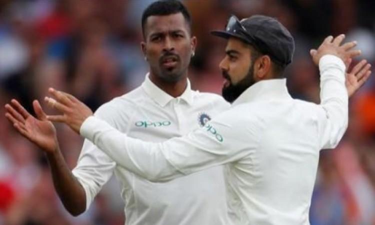 भारतीय तेज गेंदबाजों का कहर, इंग्लिश टीम लंच तक मुसीबत में फंसी