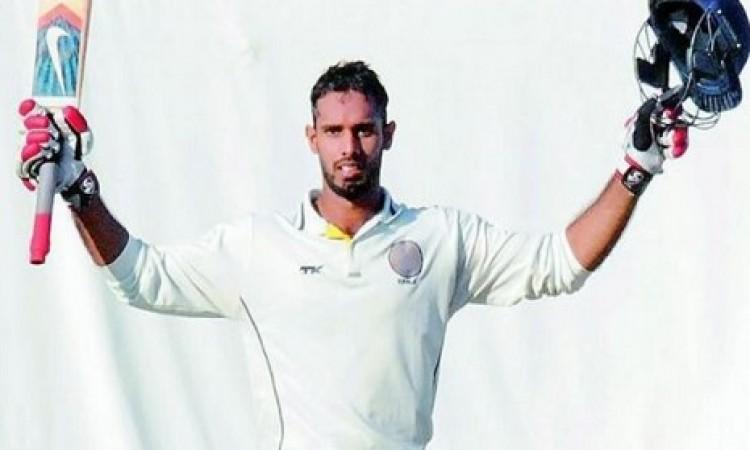 अनाधिकारिक टेस्ट में साउथ अफ्रीका ए के खिलाफ इंडिया ए की पहली पारी में 345 रनों पर सिमटी Images