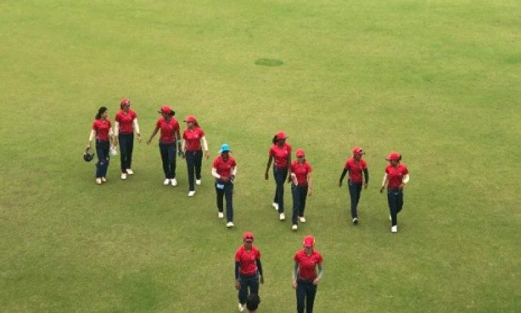 महिला टी-20 चैलेंजर ट्रॉफी सुश्री दिब्याश्री की गेंदबाजी का दिखा कमाल, इंडिया रेड को दिलाई जीत Image