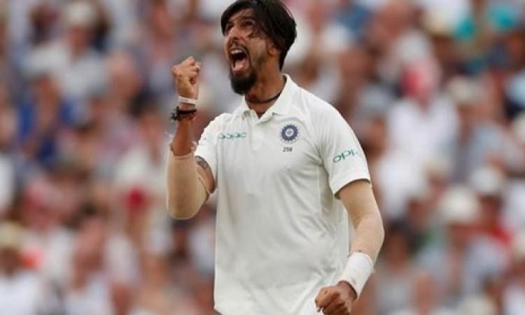 पहले टेस्ट में भारत को मिली हार तो वहीं इशांत शर्मा के लिए आई ये बुरी खबर Images