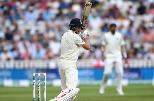 क्या टीम इंडिया नं गंवाया नई गेंद से विकेट लेने का मौका, जो रूट और जेनिंग्स की धैर्यपूर्ण बल्लेबाजी