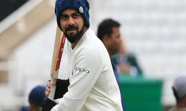 विराट कोहली ने ऐसा ट्विट कर तीसरे टेस्ट के लिए प्लेइंग इलेवन को लेकर किया ये बड़ा खुलासा Images