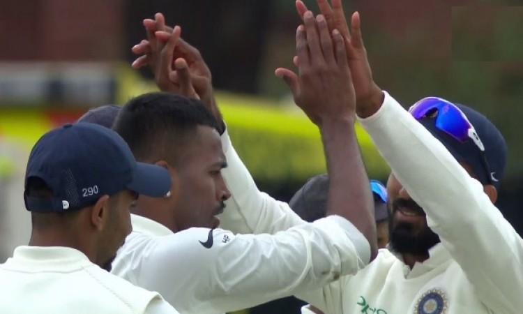 हार्दिक पांड्या ने ढ़ाया कहर, 5 विकेट लेकर इंग्लैंड की पारी को 161 रनों पर किया ढ़ेर Images
