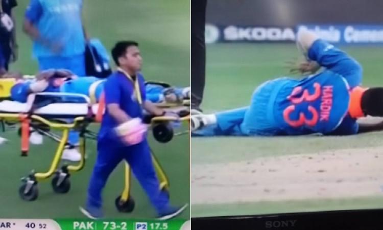 Asia Cup 2018:  हार्दिक पांड्या गेंदबाजी के दौरान हुए घायल, ले जाया गया मैदान से बाहर  Images