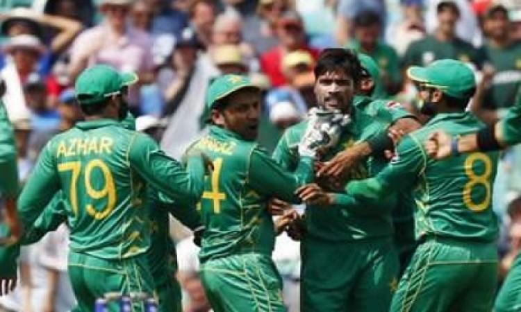 आमिर सोहेल ने एशिया कप से पहले ऐसा कहकर भारतीय टीम पर दबाव डालने की करी कोशिश Images