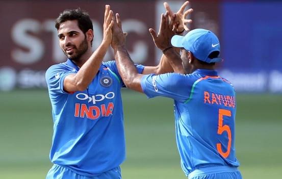 पाकिस्तान के खिलाफ मैच में भुवी ने अपनी गेंदबाजी के दौरान किया पहली बार ऐसा अनचाहा कारनामा Images