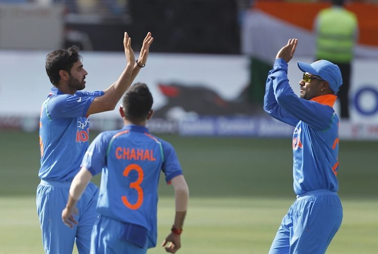 Bhuvneshwar Kumar Celebrating After Taking Wicket Images