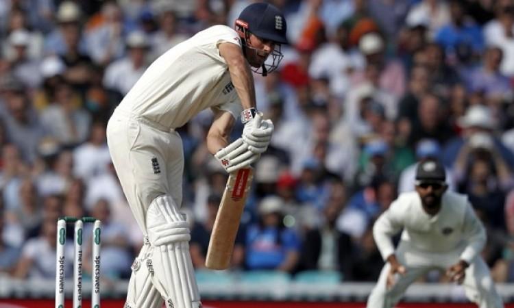 दूसरी पारी में इंग्लैंड की पारी संभली, भारत पर अबतक 154 रनों की बढ़त Images