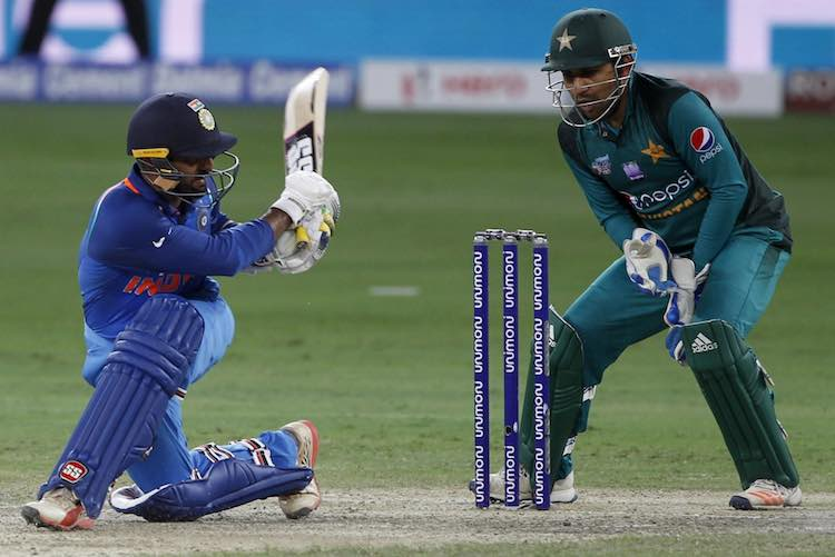 Dinesh Karthik (Asia Cup 2018) Images