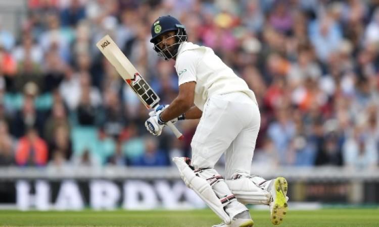 डेब्यू टेस्ट में अर्धशतक जमाकर हनुमा विहारी का ऐतिहासिक कारनामा,  भारतीय टीम 7 विकेट पर 240 रन Image
