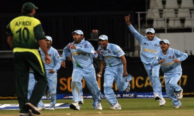 India beat Pakistan in a bowl-out