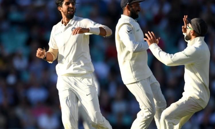 भारतीय तेज गेंदबाजों ने इंग्लैंड के खिलाफ टेस्ट सीरीज में रच दिया वर्ल्ड रिकॉर्ड Images