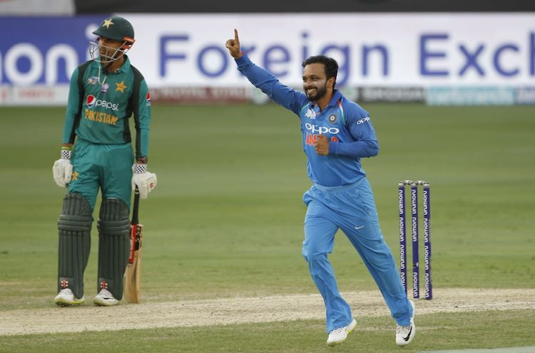 Kedar Jadhav Images in Hindi