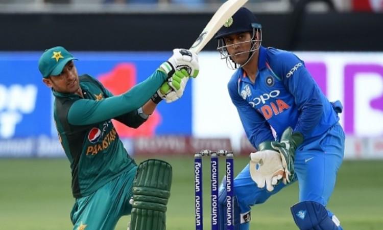 शोएब मलिक का खुलासा, इस कारण भारत से हार रही है पाकिस्तान की टीम Images